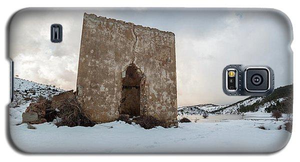Ruin On The Snow Galaxy S5 Case