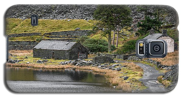 Galaxy S5 Case featuring the photograph Ruins At Cwmorthin by Adrian Evans