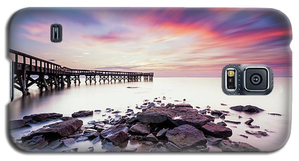 Galaxy S5 Case featuring the photograph Run To The Sun by Edward Kreis