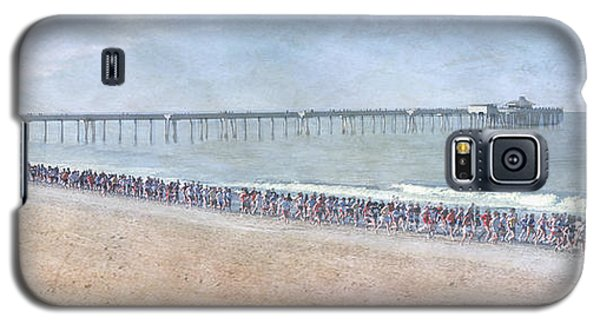 Galaxy S5 Case featuring the photograph Runners On The Beach Panorama by David Zanzinger