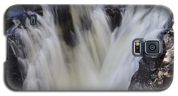 Galaxy S5 Case featuring the photograph Rushing by Aimelle