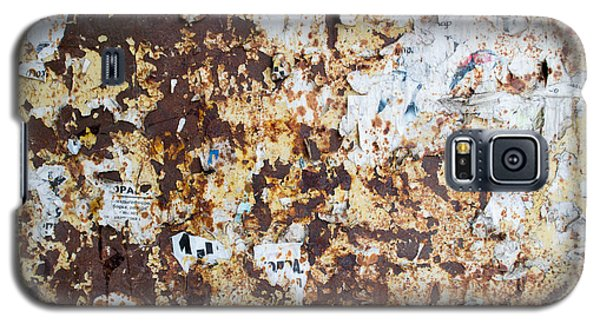 Galaxy S5 Case featuring the photograph Rust Paper Texture by John Williams