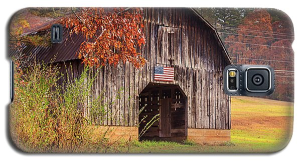 Rustic Barn In Autumn Galaxy S5 Case