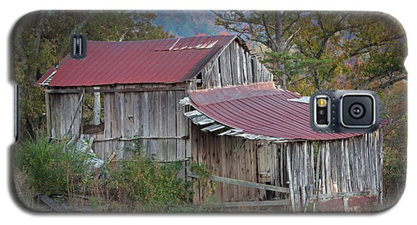 Galaxy S5 Case featuring the photograph Rustic Weathered Hillside Barn by John Stephens