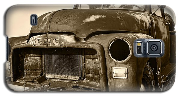Rusty But Trusty Old Gmc Pickup Truck - Sepia Galaxy S5 Case