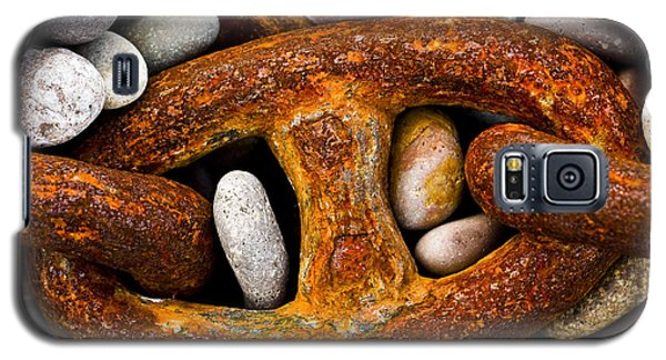 Galaxy S5 Case featuring the photograph Rusty Chain by Gabor Pozsgai