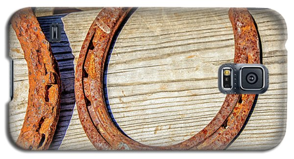 Galaxy S5 Case featuring the photograph Rusty Horseshoes Found By Curators Of The Ghost Town Of St. Elmo by Peter Ciro