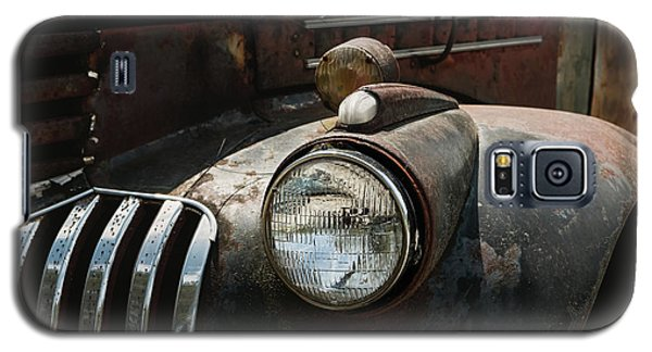 Galaxy S5 Case featuring the photograph Rusty Old Headlight  by Kim Hojnacki