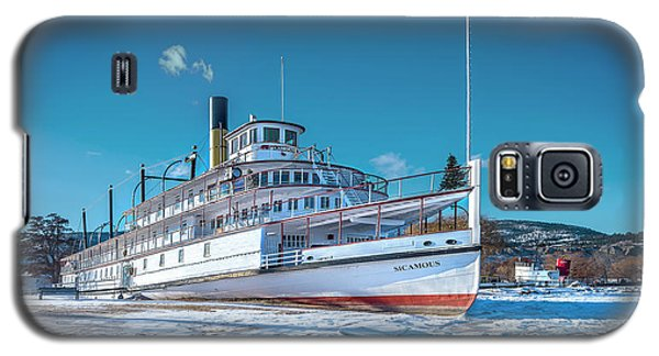 Galaxy S5 Case featuring the photograph S. S. Sicamous by John Poon