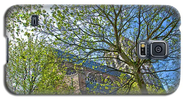 Galaxy S5 Case featuring the photograph Saint Catharine's Church In Brielle by Frans Blok