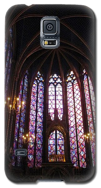 Galaxy S5 Case featuring the photograph Sainte-chapelle by Christopher Kirby