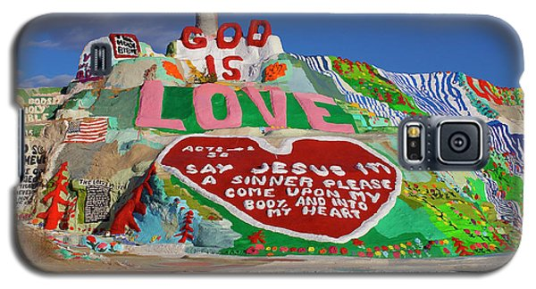 Galaxy S5 Case featuring the photograph Salvation Mountain by Matthew Bamberg