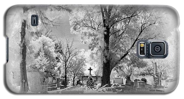 Galaxy S5 Case featuring the photograph San Jose De Dios Cemetery by Sean Foster