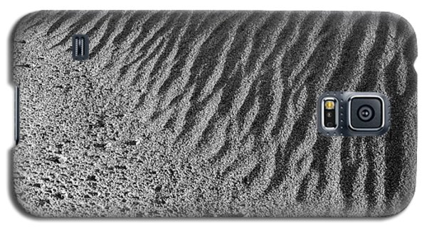 Galaxy S5 Case featuring the photograph Sand Art I by Alexander Kunz