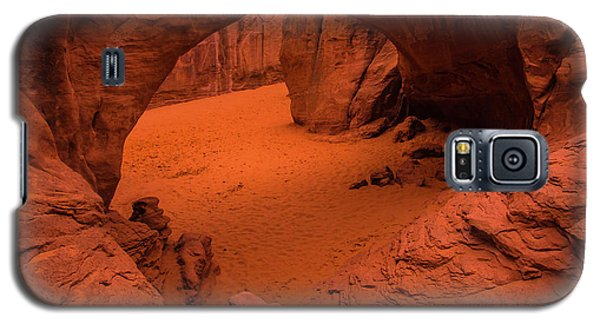 Galaxy S5 Case featuring the photograph Sand Dune Arch - Arches National Park - Utah by Gary Whitton