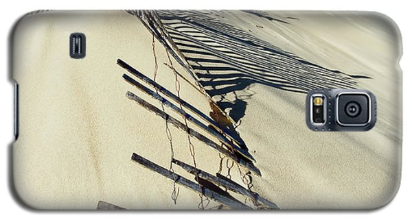 Sand Dune Fences And Shadows Galaxy S5 Case