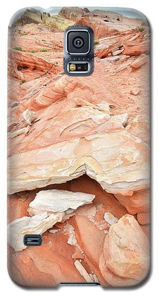 Galaxy S5 Case featuring the photograph Sandstone Heart In Valley Of Fire by Ray Mathis