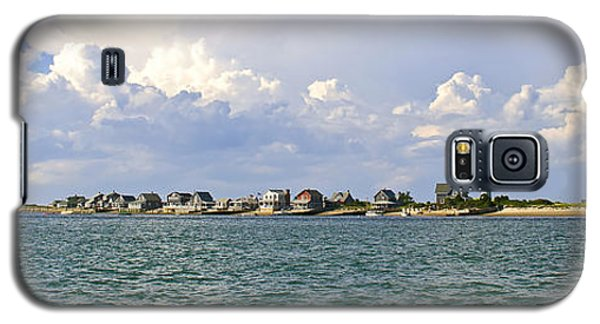 Sandy Neck Cottage Colony Galaxy S5 Case by Charles Harden