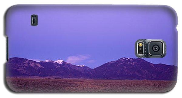 Sangre De Cristo Galaxy S5 Case - Sangre De Cristo Mountains At Sunset by Panoramic Images