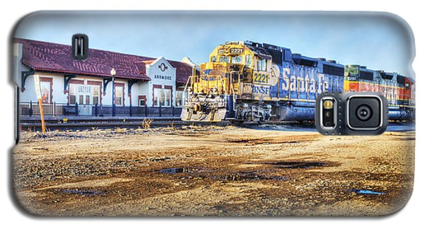 Galaxy S5 Case featuring the photograph Santa Fe Train In Ardmore by Tamyra Ayles
