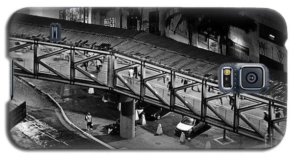 Sao Paulo - Metallic Footbridge At Night Galaxy S5 Case