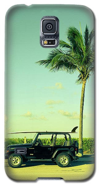 Galaxy S5 Case featuring the photograph Saturday by Laura Fasulo