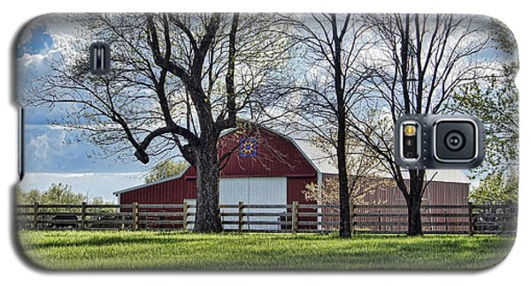 Galaxy S5 Case featuring the photograph Schooler Road Barn by Cricket Hackmann