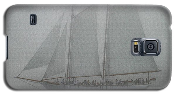 Schooner In Fog Galaxy S5 Case