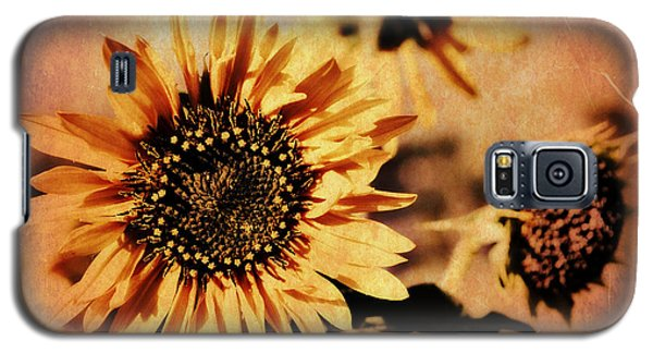 Galaxy S5 Case featuring the photograph Scripture - 1 Peter One 24-25 by Glenn McCarthy Art and Photography