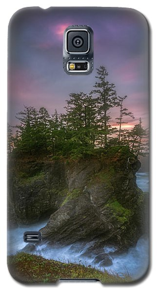 Sea Stack With Trees Of Oregon Coast Galaxy S5 Case
