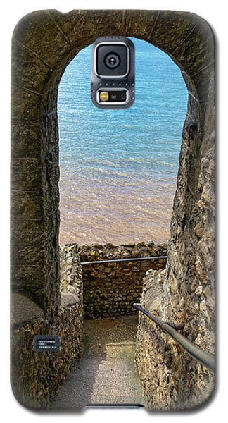Galaxy S5 Case featuring the photograph Sea View Arch by Scott Carruthers