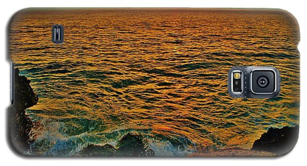Galaxy S5 Case featuring the photograph Seascape In Orange And Green by Craig Wood