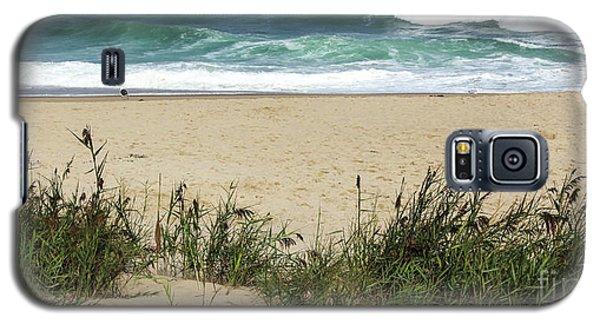 Galaxy S5 Case featuring the photograph Seashore Retreat by Michelle Wiarda