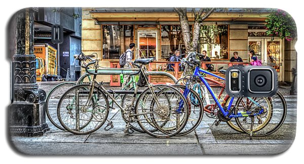 Galaxy S5 Case featuring the photograph Seattle Bicycles by Spencer McDonald