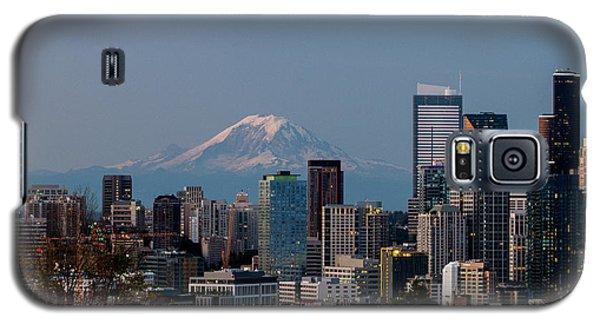 Seattle-mt. Rainier In The Morning Light .1 Galaxy S5 Case