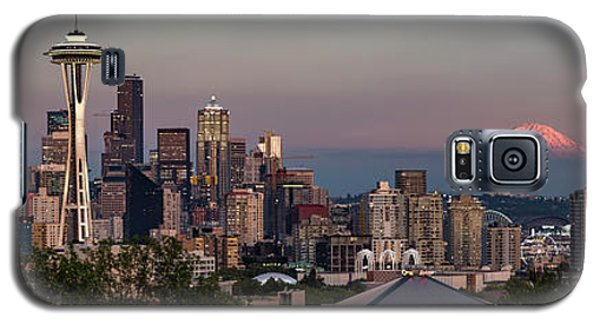 Galaxy S5 Case featuring the photograph Seattle Skyline And Mt. Rainier Panoramic Hd by Adam Romanowicz