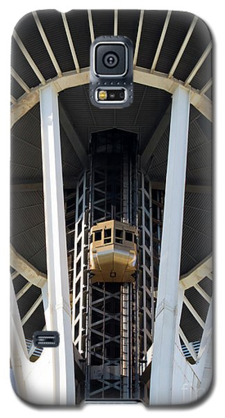 Galaxy S5 Case featuring the photograph Seattle Space Needle Elevator by Chris Dutton