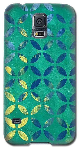 Galaxy S5 Case featuring the mixed media Secret Garden by Lisa Noneman