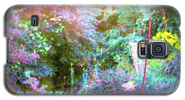 Galaxy S5 Case featuring the photograph Secret Garden by Susan Carella