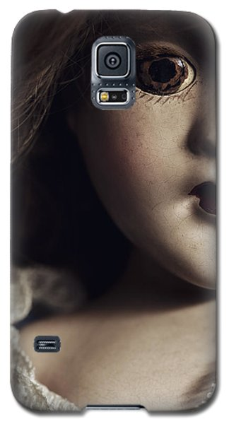 Galaxy S5 Case featuring the photograph Secrets by Amy Weiss