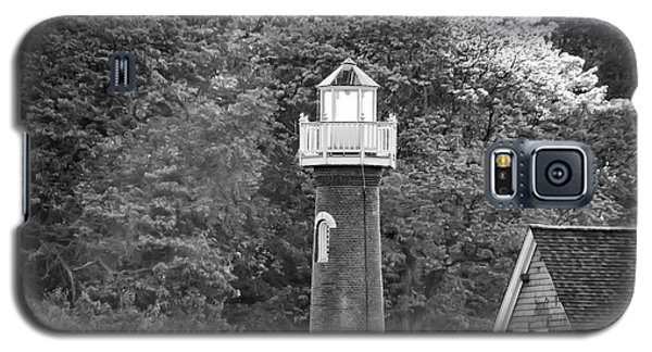 Galaxy S5 Case featuring the photograph Sedgely Club - Turtle Rock Lighthouse by Bill Cannon
