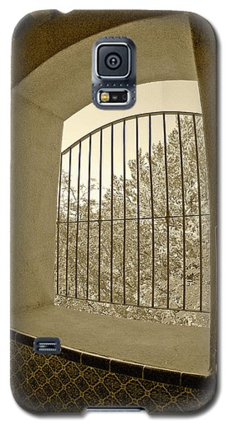Galaxy S5 Case featuring the photograph Sedona Series - Through The Window by Ben and Raisa Gertsberg