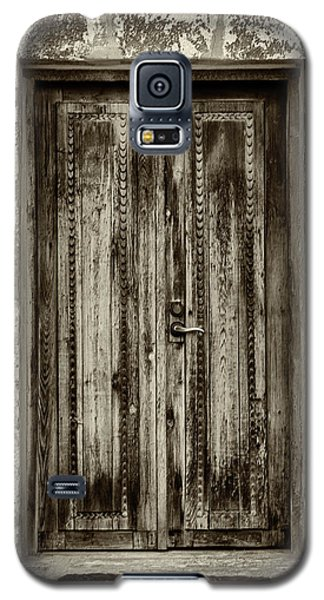 Galaxy S5 Case featuring the photograph Seeking Sanctuary - 2 by Stephen Stookey