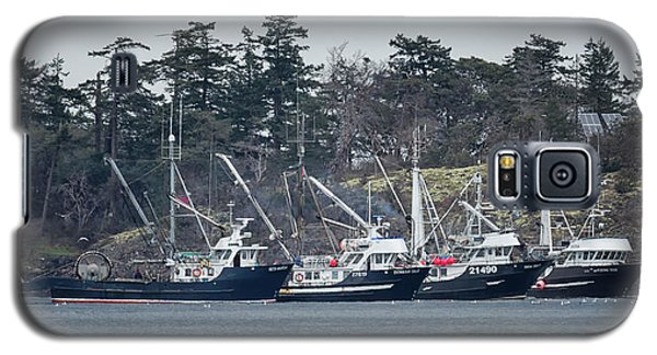 Galaxy S5 Case featuring the photograph Seiners In Nw Bay by Randy Hall