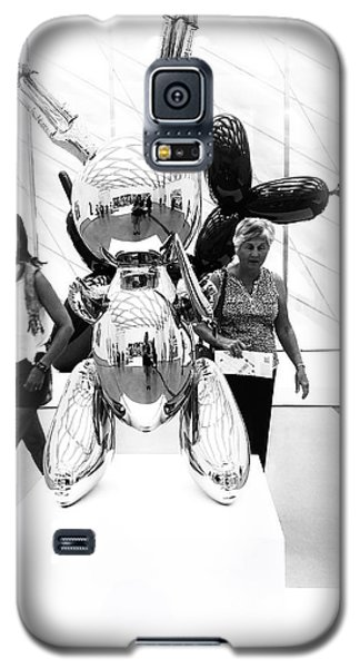 Self Portrait In Jeff Koons Mylar Rabbit Balloon Sculpture Galaxy S5 Case
