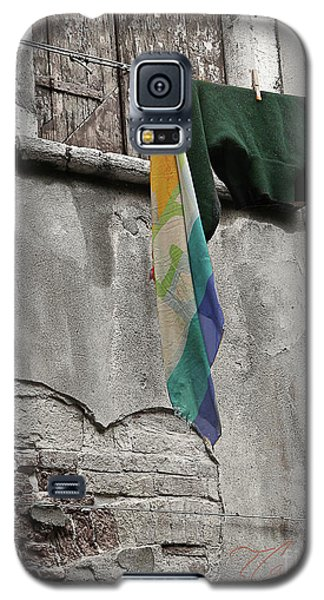 Galaxy S5 Case featuring the photograph Semplicita - Venice by Tom Cameron