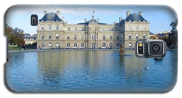 Galaxy S5 Case featuring the photograph Senat From Jardin Du Luxembourg by Christopher Kirby