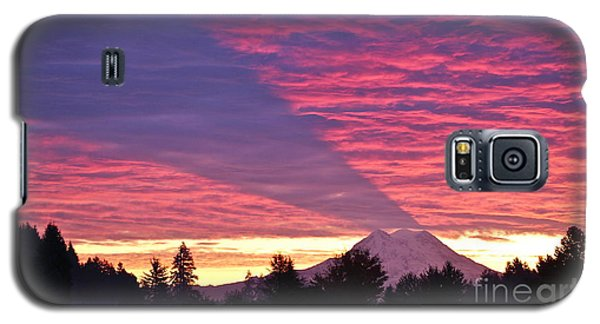 Shadow Of Mount Rainier Galaxy S5 Case by Sean Griffin