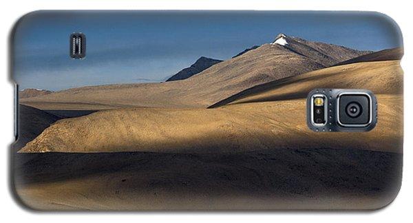 Shadows On Hills Galaxy S5 Case by Hitendra SINKAR