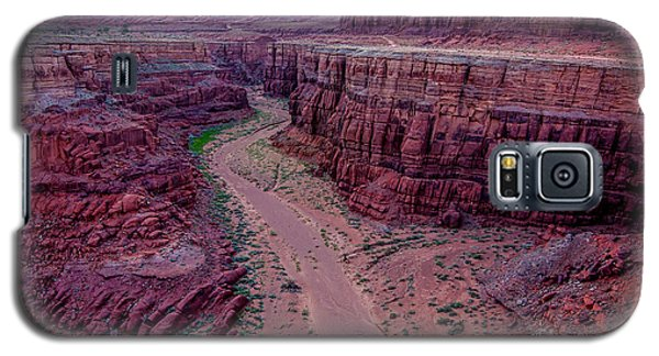 Galaxy S5 Case featuring the photograph Shafer Canyon At Sunset - Moab - Utah by Gary Whitton